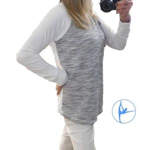 90° by REFLEX GRAY & WHITE ATHLETIC/LOUNGING TOP